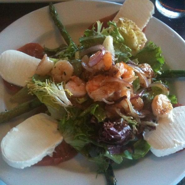 Salad @ Old Fisherman's Grotto