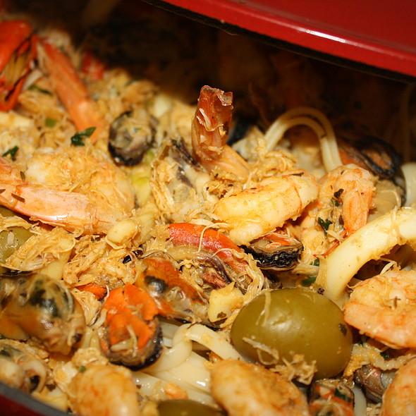 Fetuccini ao Molho de Frutos do Mar com Lagosta