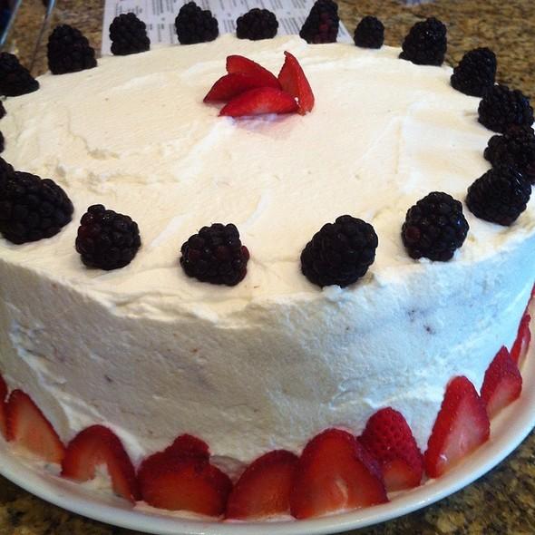 lemon berry mascarpone cake @ The Fat Tuscan Cafe