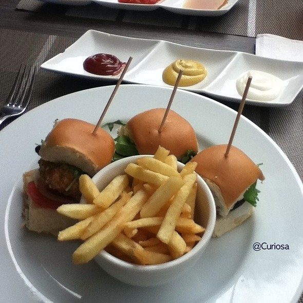 Hamburguesas @ Triptico Restaurante