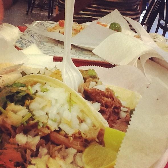 Tacos De Carnitas Y Lengua @ Tacos Tumbras A Tomas