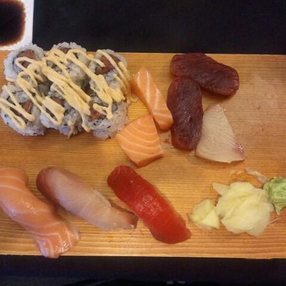 Ni-Sa-Spicy Tuna @ Isushi Express