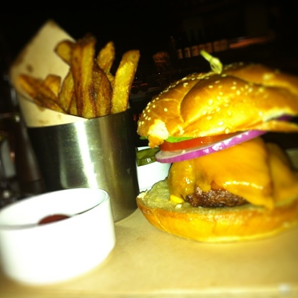 Burger @ Water Grill