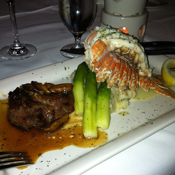 6 Oz Sirloin & 8 Oz Lobster Tail Special - Pappas Bros. Steakhouse - Galleria, Houston, TX