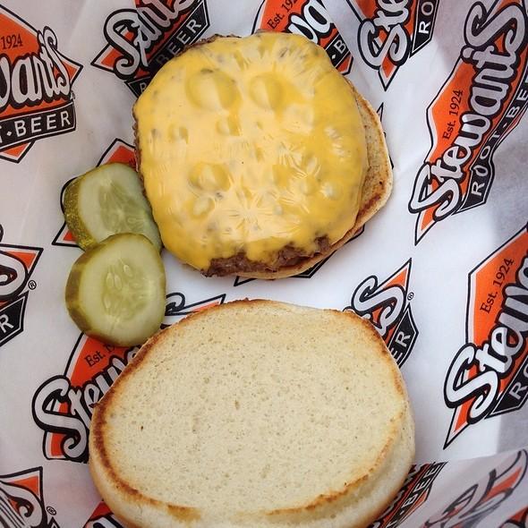 Cheeseburger @ Stewarts