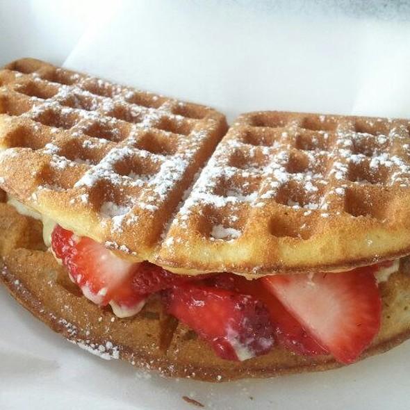 Strawberry Irish Cream Creme Brulee @ The Waffle Bus