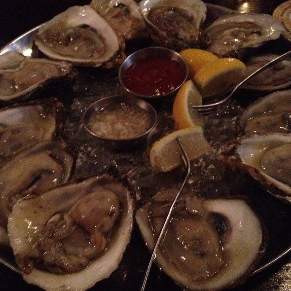 Oysters @ Nomad Tapas & Restaurant
