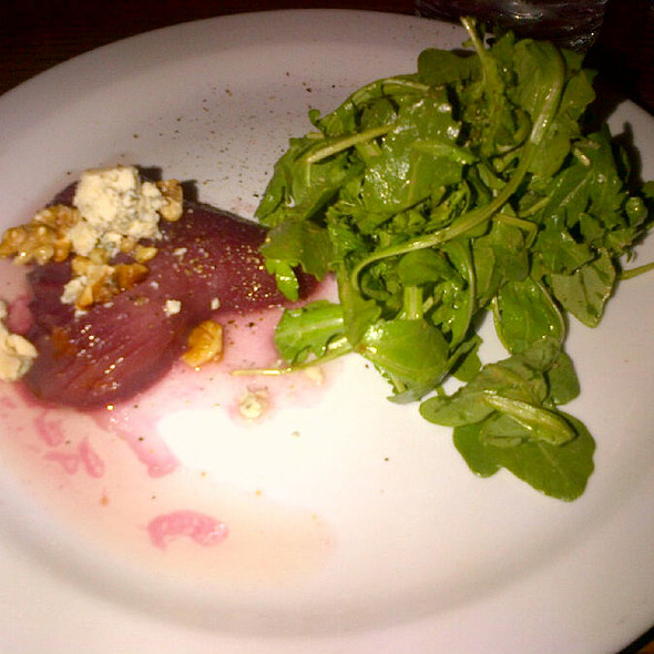 Poached Pear Salad @ Avant Gout