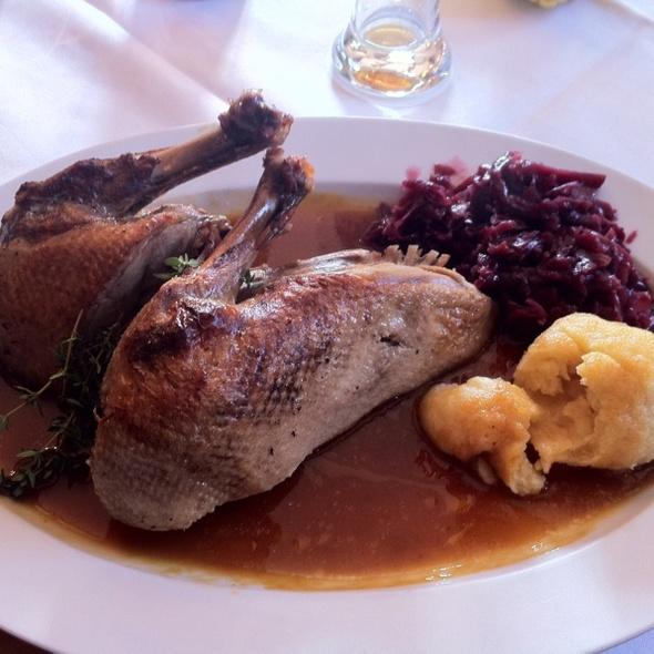 Ente mit Knödel @ Gasthof Steinerwirt - Familie Schwaninger