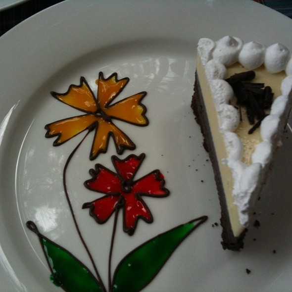 Black And White Torte Cake @ Forest House