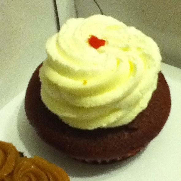 Red Velvet Cupcake @ Slice Cafe