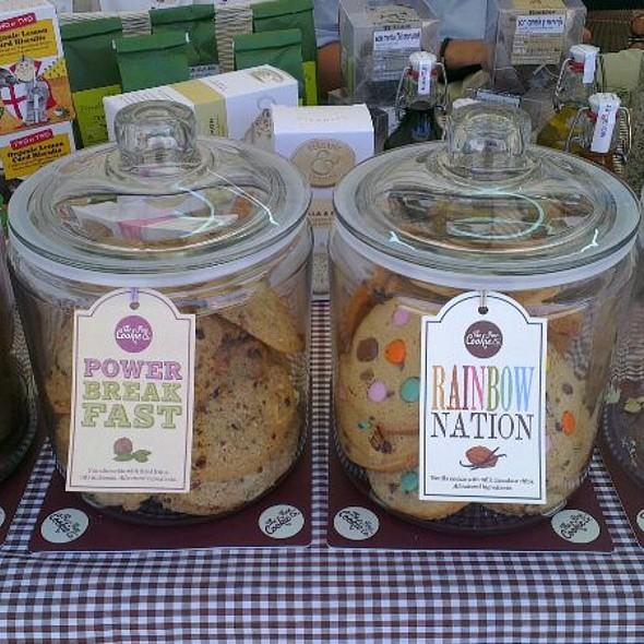 Quatre cookies: Brownie, Power Breakfast, Rainbow Nation i Cherry&Al @ Quincacau! Queviures de qualitat