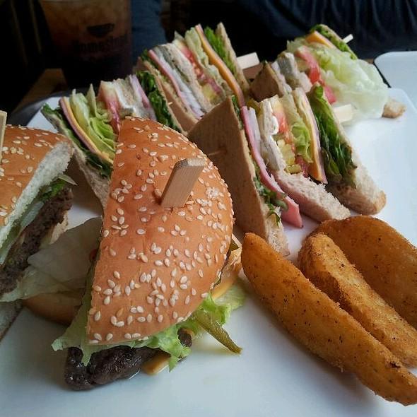 Burger @ 홈스테드 명동점