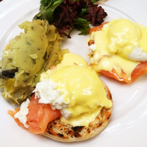 Eggs Royale @ Dog And Duck