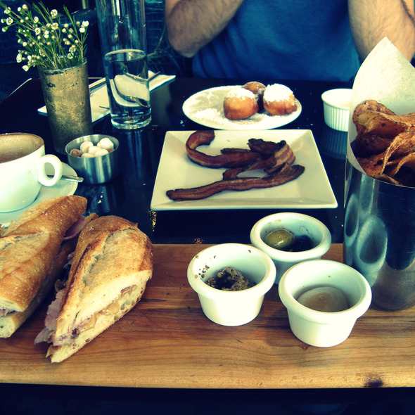 Brunch @ LAMILL Coffee Boutique