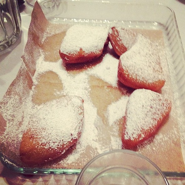 oh my goodness, these beignets were divine. everyone should feast in louisiana. #igerstoronto #igerscanada #igers  #dessert #pastry porn #dinner #toronto #south #picoftheday #photooftheday #popular #bestagram #bestoftheday