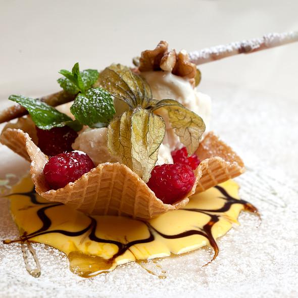acacia ice cream @ Ristorante la Chiostrina