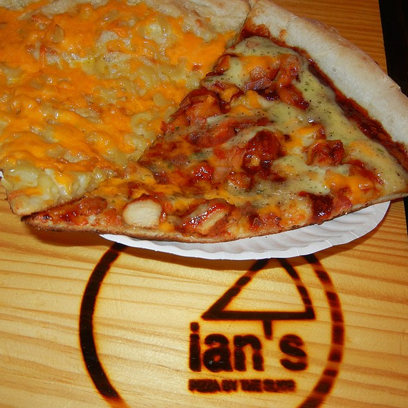 Mac & Cheese Pizza @ Ian's Pizza on State