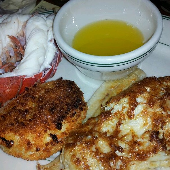 Broiled Seafood Combination @ Crisfield Seafood