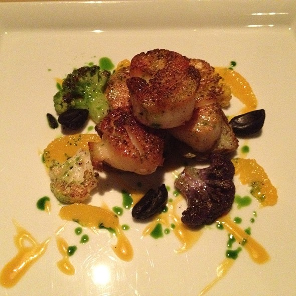 Pan Roasted Diver Scallops @ Different Pointe of View