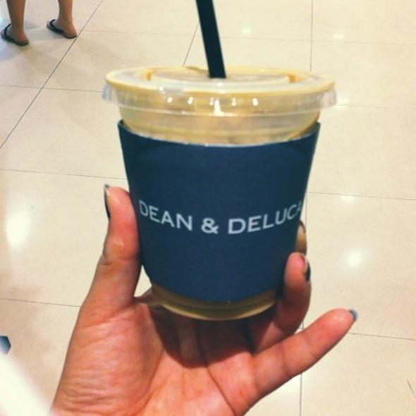 Iced Cafe Latte @ Dean&deluca
