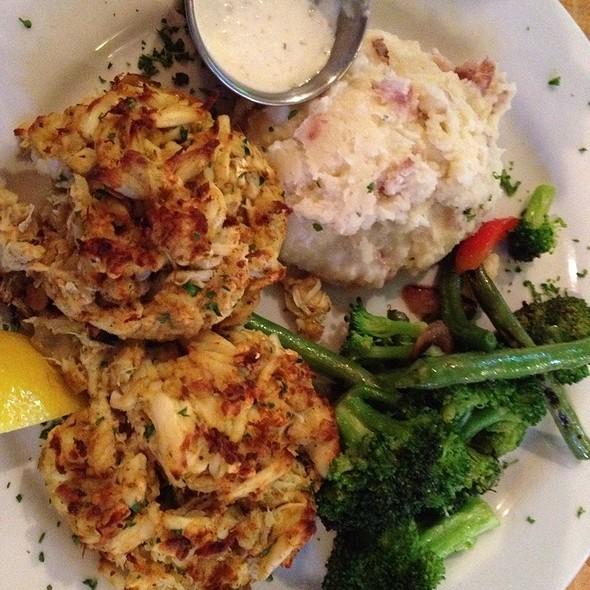 Double Premium Crab Cake Platter @ Boatyard Bar & Grill