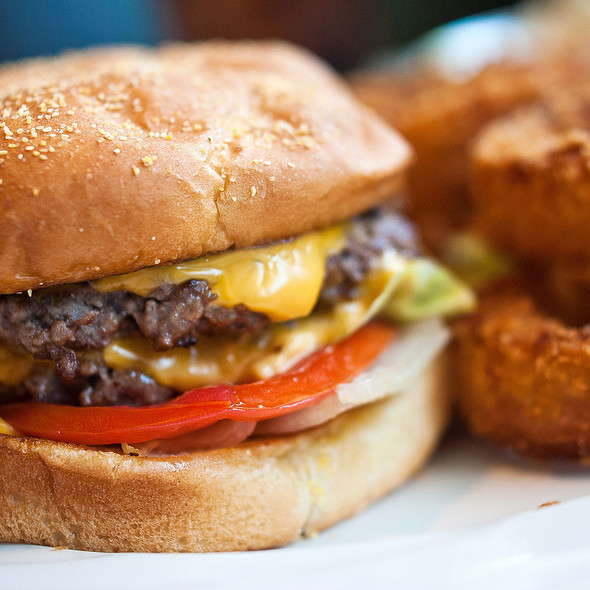 Double Cheeseburger @ Wee Willies East