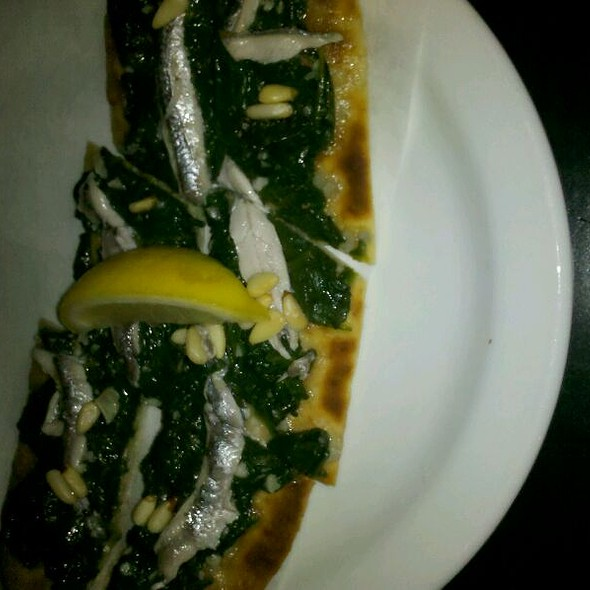 White Anchovy, Spinach & Pine Nut Flatbread @ Modesto