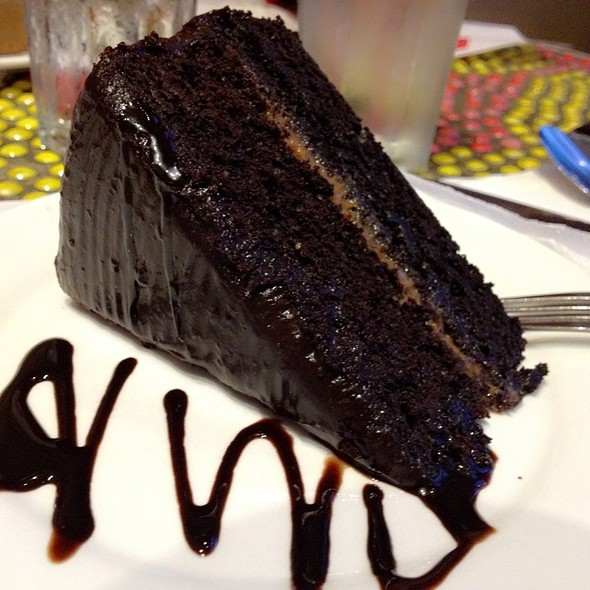 Old Fashioned Chocolate Cake @ Banapple Pies And Cheesecakes