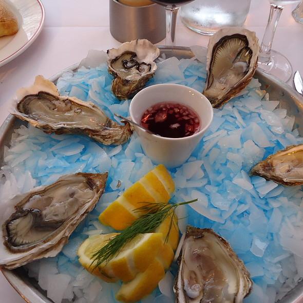 6 huîtres de Cancale @ Café de l'Ouest
