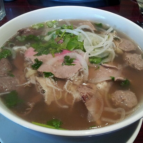 Pho Deluxe @ Pho Xinh