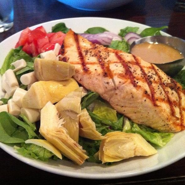 Grilled Salmon Salad - Ramparts Tavern, Alexandria, VA
