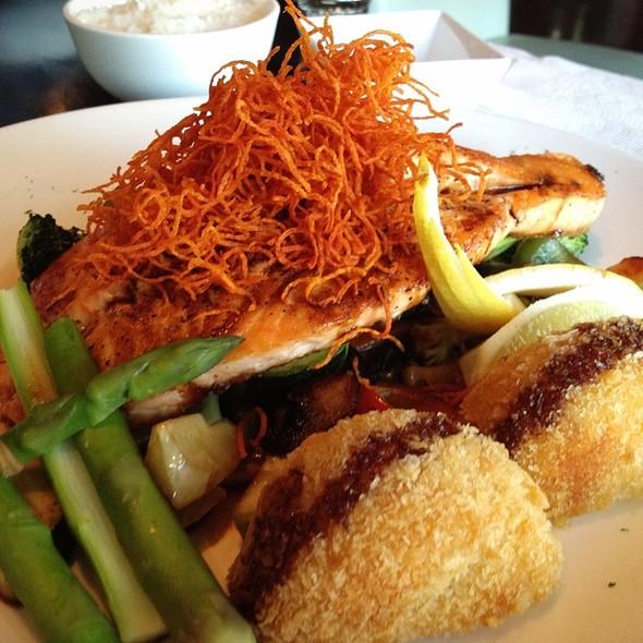 Teriyaki Salmon - Makisu Sushi Lounge and Grill, Skokie, IL