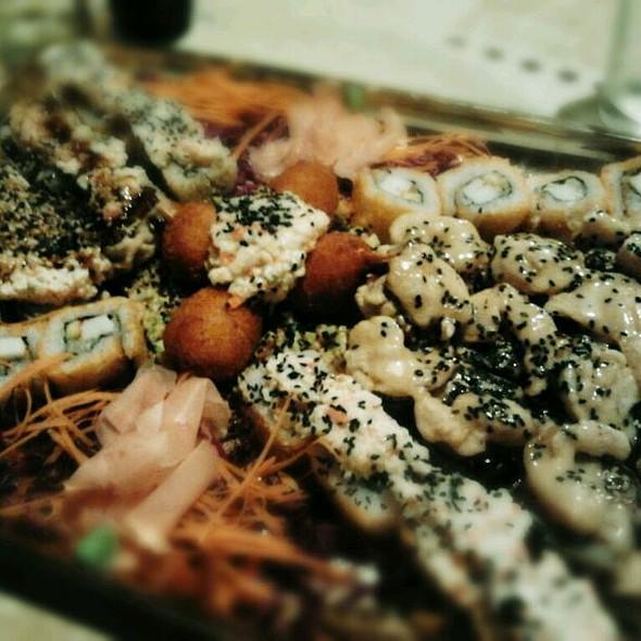 Sushi @ Ikebana Sushi