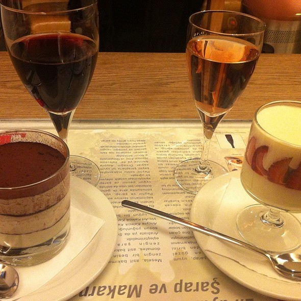 Desserts @ VAPIANO