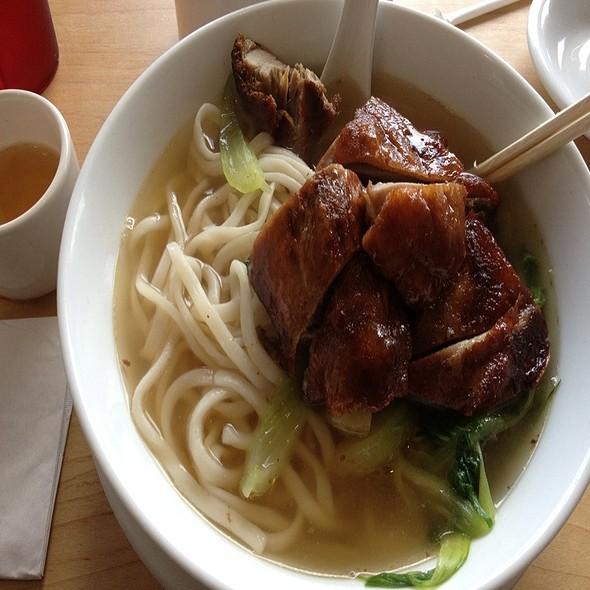 Roasted Duck Noodle Soup @ Han Noodle