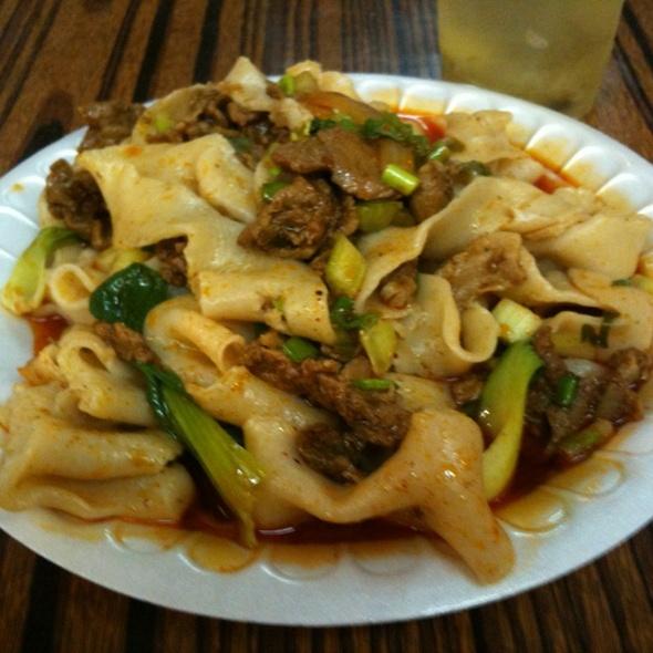 Savory Cumin Lamb Noodles