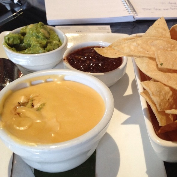 Salsa And Guacamole @ The Grove