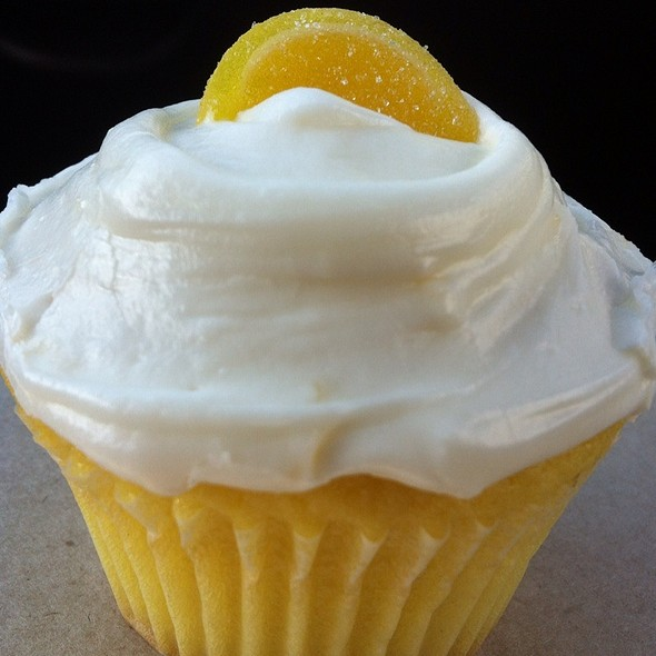Lemon Cream Cheese Cupcake