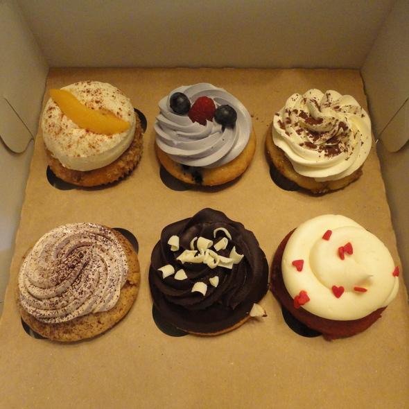 Cupcakes @ Molly's Cupcakes
