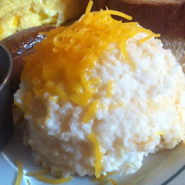 Cheddar Grits - Ted's Bulletin, Washington, DC