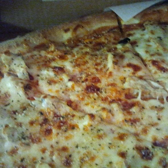 BBQ Chicken @ Cibelli's Pizza