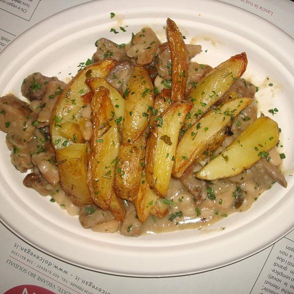 Arrosto di seitan con patate e funghi @ Dolce Vegan