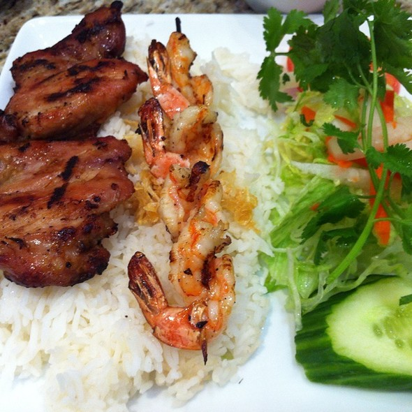 Chicken And Shrimp On Rice