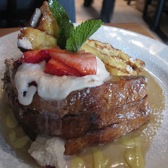 Creme Brulee French Toast @ Green Eggs Cafe