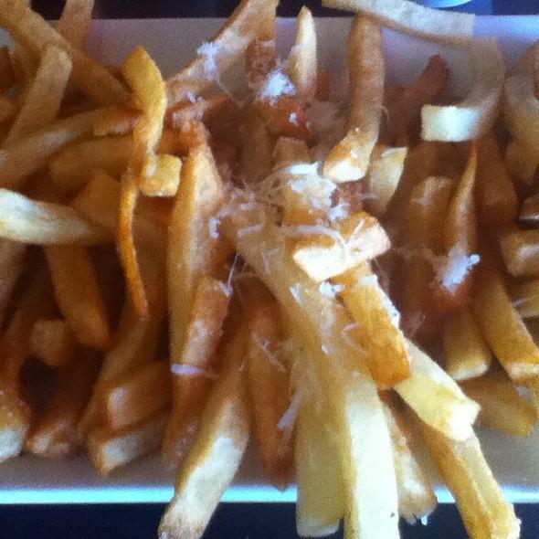 French Fry Trio @ RoMo's Cafe