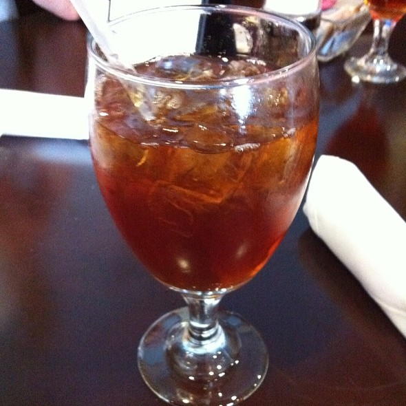 Peach Iced Tea With Jasmine - Croissants Bistro and Bakery, Myrtle Beach, SC