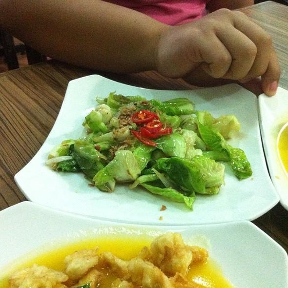 Wet Baby Kailan @ D'Dapur Restaurant