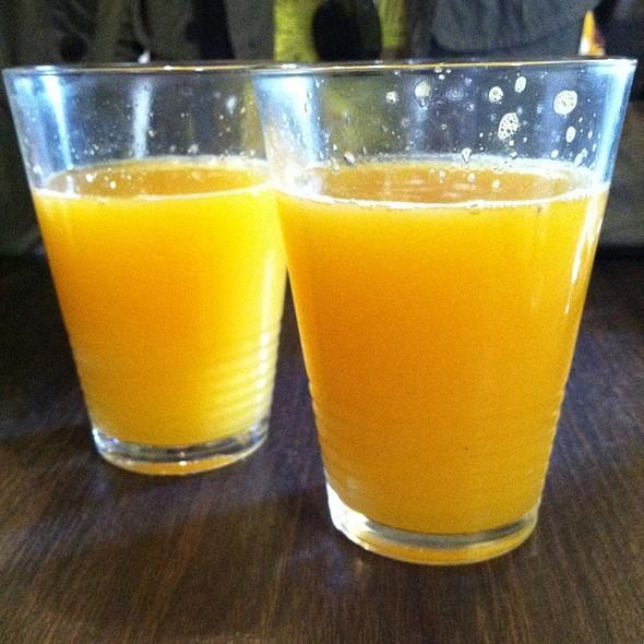Ridiculously Amazing Fresh Squeezed Orange Juice - Conshohocken Cafe, Conshohocken, PA