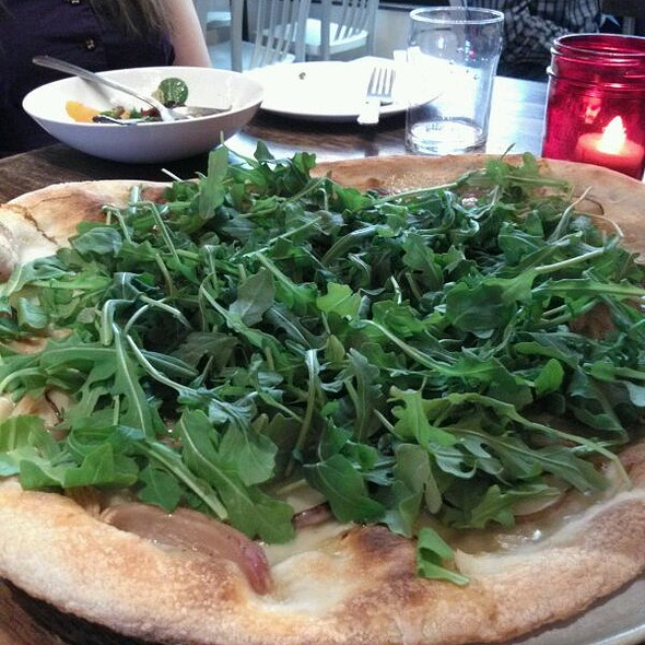 Blue Cheese, Pear, And Arugula Pizza  @ Starbelly